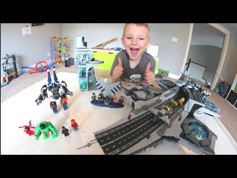 FATHER SON ULTIMATE LEGO BATTLE! / Avengers Helicarrier!