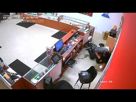 cell phone store robbery 12/22/15