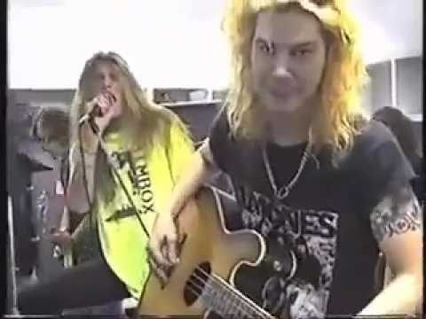 Guns N' Roses playing with Skid Row, backstage