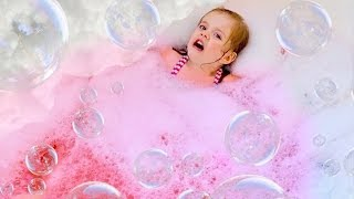 toddler-bath-disaster-don-t-mix-slime-bubbles