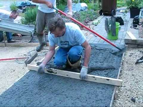 How to pour concrete driveway doovi for Pouring your own concrete driveway