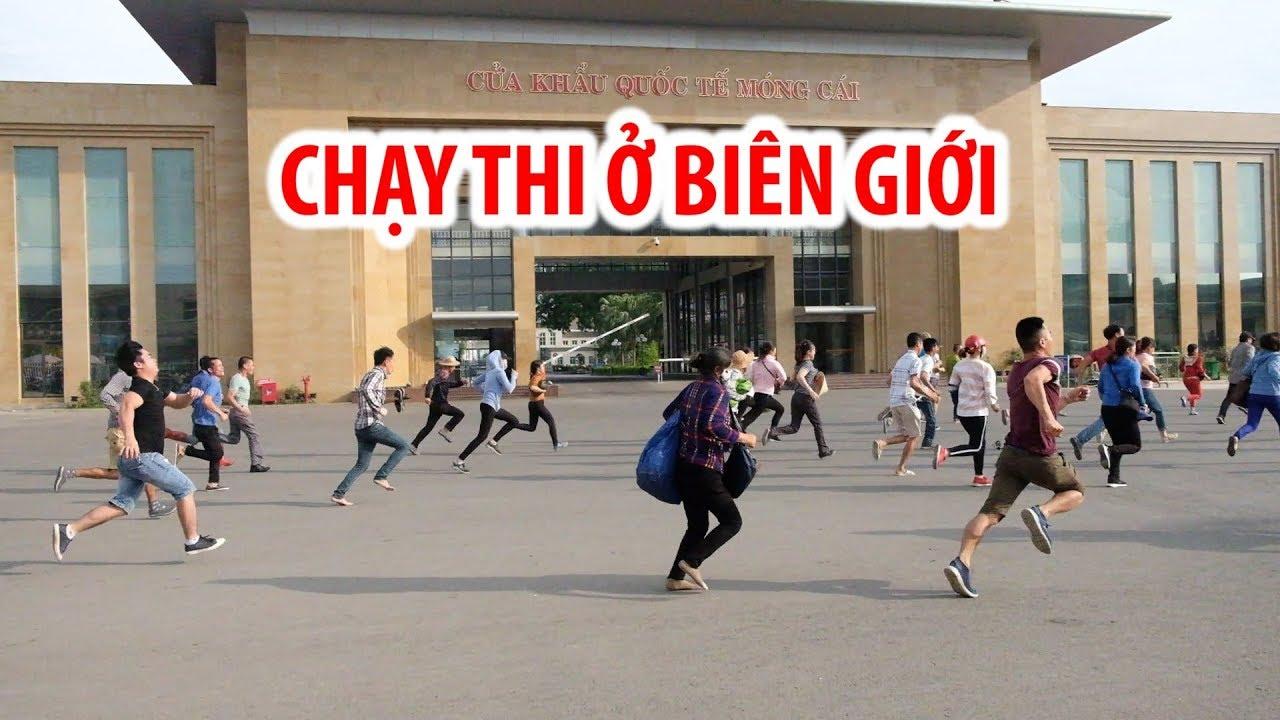 """Dân buôn Việt Nam """"chạy thi"""" sang Trung Quốc ở cửa khẩu Móng Cái"""