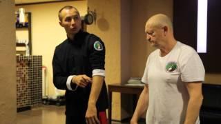 Упражнение для развития локтевого сустава
