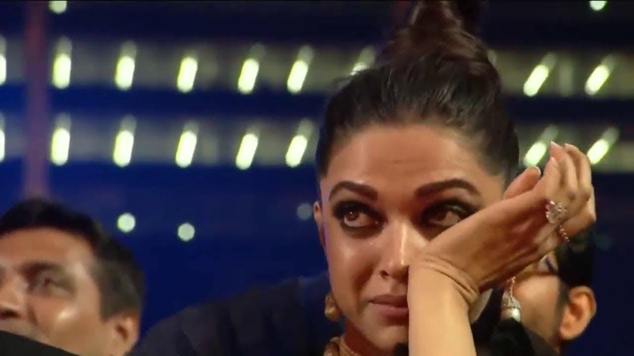 Download Deepika Crying, SALMAN Khan Insulting Ayushmann Khurrana during Award ceremony HD