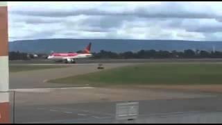 momento exato em que uma turbina do avião da avianca explodiu