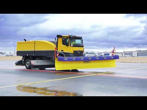 Nové stroje zimní údržby na Letišti Praha