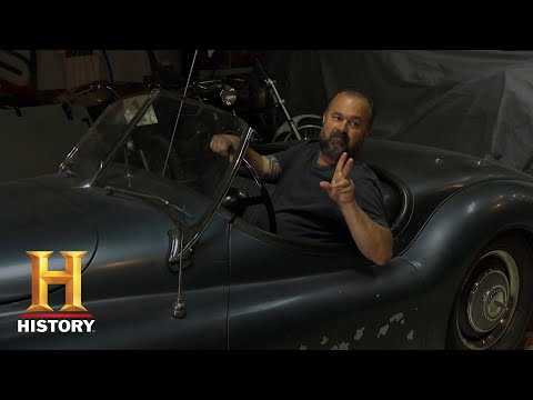 American Pickers: Tough Negotiations At A Kansas Car Museum (Season 19) | History