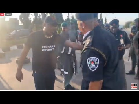 SOWORE CONFRONTING POLICE...VERY TENSE...#ENDSARSNOW ABUJA