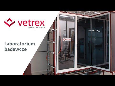 Badanie narożnych drzwi balkonowych z glasscornerem