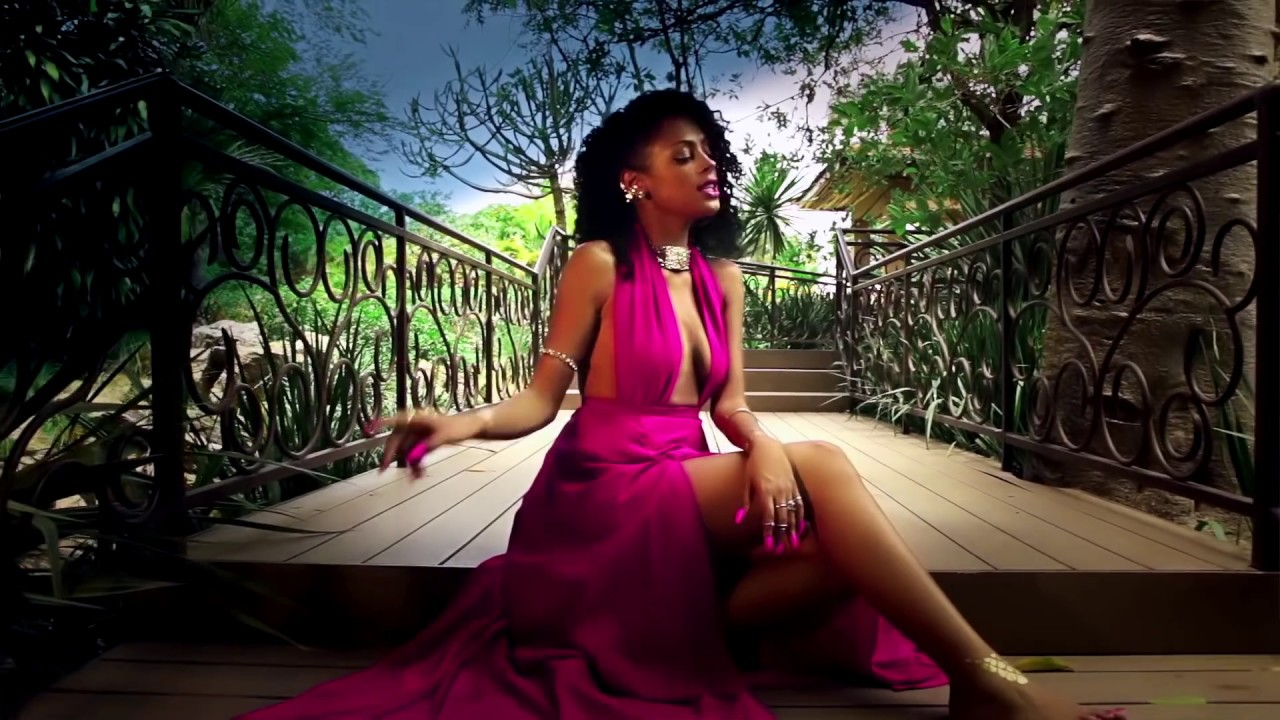 Download SALMA SKY - Side Chick (Official Video) ft. Klappa