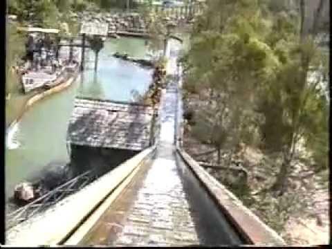 Rocky Hollow Log Ride - Dreamworld - Australia