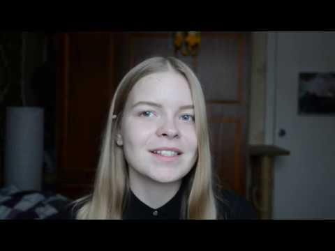 Изображение предпросмотра прочтения – КатеринаТворогова читает произведение «Книги в красном переплете» М.И.Цветаевой