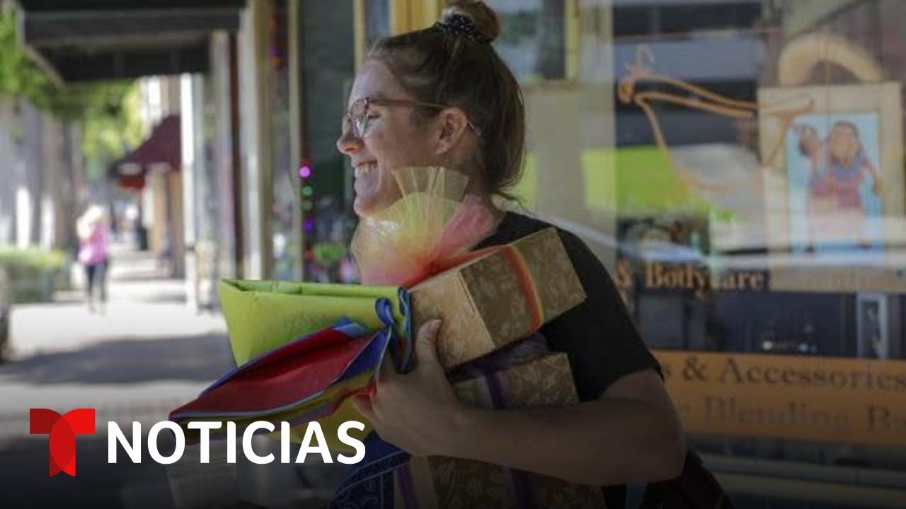 Esperan un repunte en los comercios por el Día de las Madres | Noticias Telemundo