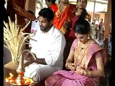 Indian film actress Saranya Mohan Marriage With Dr Aravind Krishnan (Actress Saranya Mohan Wedding)