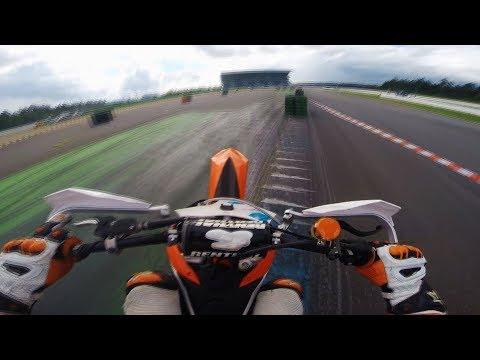 Supermoto on racetrack // KTM SXF 450 // RAW 1 // Hockenheim // Sumo fighters