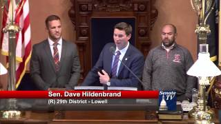 Sen. Hildenbrand honors the Lowell wrestling team at the Michigan Senate