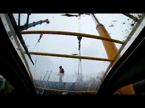 Работа двух кранов 25-тонников