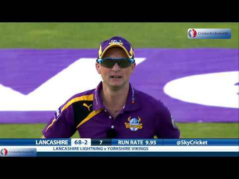 Outstanding team work catch by Adam Lyth and Aaron Finch for Yorkshire - Natwest T20 Blast