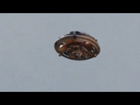 BEST UFO SIGHTING! Metallic Flying Saucer UFO TEXAS BORDER! [CRAZY] FLYING SAUCER! June 2015!!!