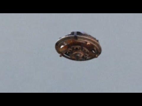 BEST UFO SIGHTING! Metallic Flying Saucer UFO TEXAS BORDER! [CRAZY] FLYING SAUCER! June 2015!!!