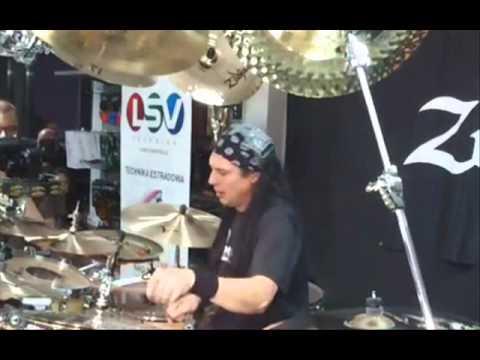 Volbeat interview -- Mike Mangini drum solo -- Sol Invicto (Deftones) hit the studio -- Crosses tour