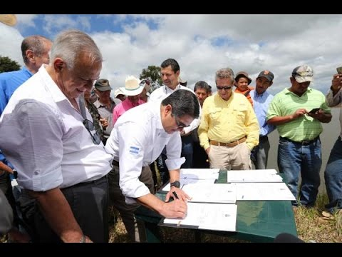 Presidente Hernández sanciona decreto de exoneración del ISV al agro