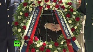 В Вашингтоне состоялась церемония возложения венков к мемориалу «Дух Эльбы»