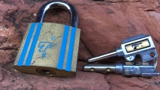 "[47]   7 ""pistol keys"" Padlock (Picked- on location!)"