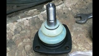ВАЗ 2101 2107.  Замена шаровых опор.  Тестим ударный электро гайковёрт.