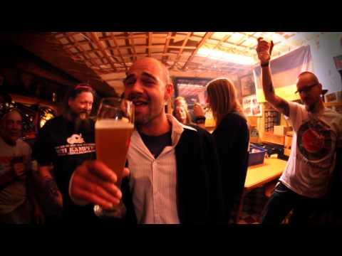 Ben Hunter & Friends - Der Post Alm Song (Official Video)