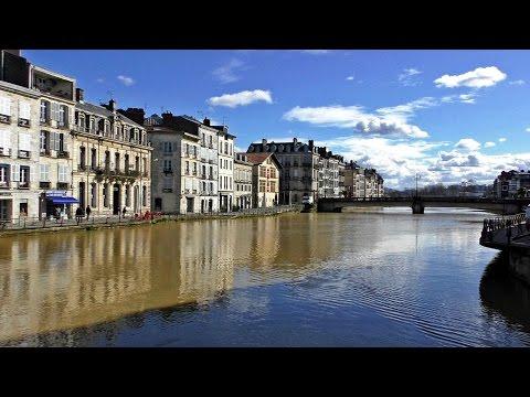 Guía / Ruta por BAYONA - BAYONNE. Turismo y viajes Aquitania, Francia / France city tour visit ville