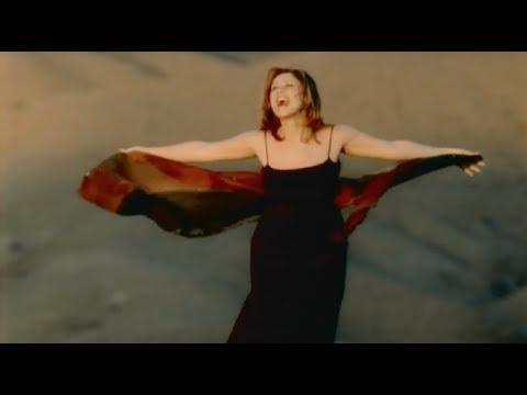 Lara Fabian's Monstrously Powerful Live Belting Range (G♯4-A5)