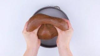 Torta cremosa de mousse de chocolate com uma cobertura irresistível!