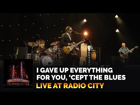 """I Gave Up Everything For You, 'Cept The Blues"" - Joe Bonamassa - Live at Radio City Music Hall"