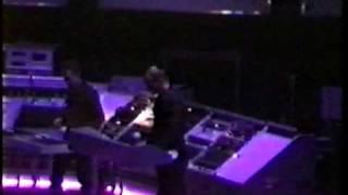 Kraftwerk - Radioactivity (live Sheffield 1991)