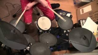 松本伊代さんの曲で一番すきな「プールサイドで待つわ」のドラムを、ち...