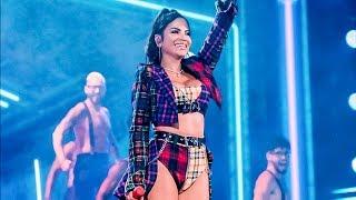 Natti Natasha en vivo en la tarima de Premios Juventud cantando - Oh Daddy
