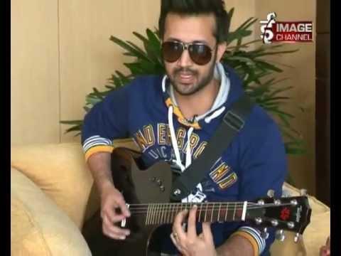 Atif Aslam Performing ''Pehli Nzar Mein'' ! Nepal Interview [01-Dec-2012]