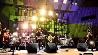 Land es el track #3 del disco Condor (2006) de la banda Japonesa Ro...