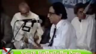 Mazahiya Mushaira Hakim Raghib Muradabadi Funny Poetry HallaGulla Com
