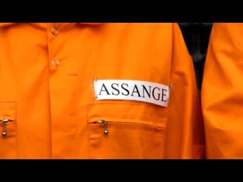 Aprueban la extradición de Assange a EEUU a falta de la decisión judicial