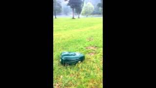 Greenmow sous la pluie robots tondeuses grandes surfaces