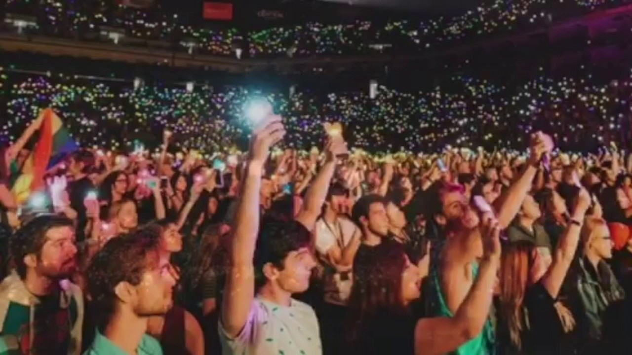 Panic! at The Disco Rainbow Heart Project! - YouTube