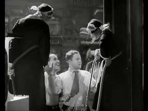 Zivot je jen náhoda, 1932, com Hana Vítová, Ljuba Hermanová,Jirí Voskovec, Jan Werich Cenas nº 02