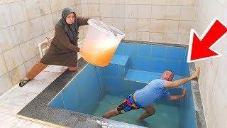 POOL in SLİME PRANK! KOCAMAN Kova Dolusu SLİME'I Havuzun İçinde Kerem Kafasına ÇAKTIK,