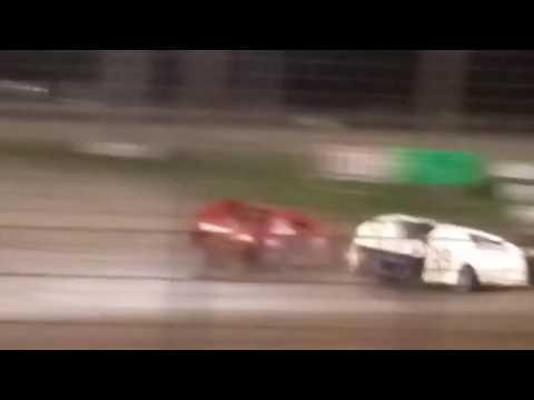 Davenport Speedway racing