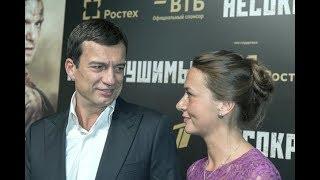 Они десять лет жили вместе, но он боялся жениться: Кто покорил сердце Андрея Чернышова