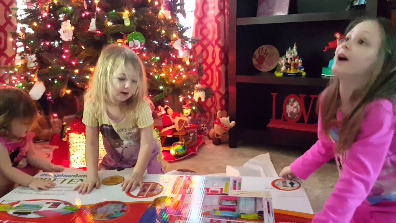 Kids Opening Presents on Christmas Morning 2015 - YouTube