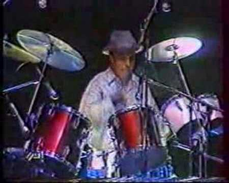 Hamid Bouchnak playing drum in CASABLANCA 1990 حمـيد بـوشنـاق