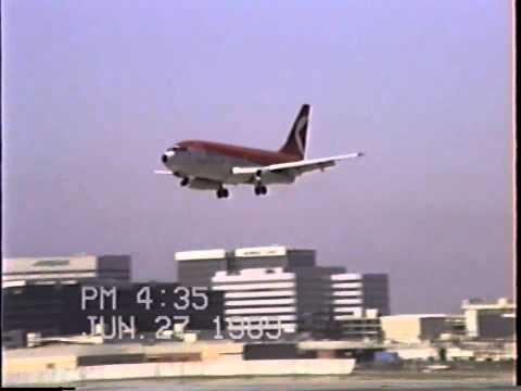 CP Air Boeing 737-200 Landing at LAX